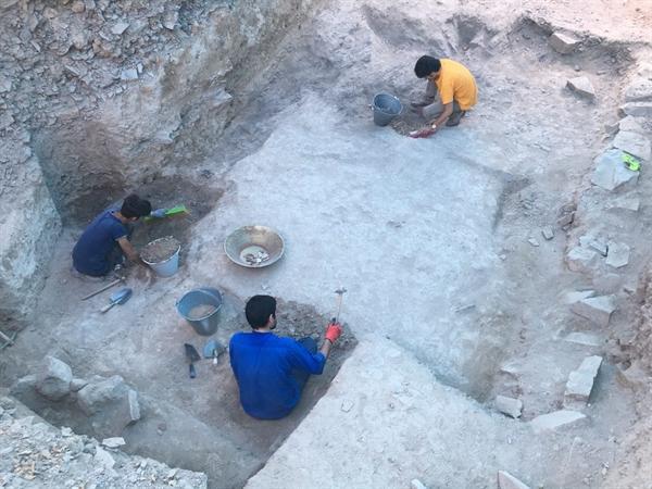کشف دیوار خشتی بی نظیر در تپه اشرف اصفهان