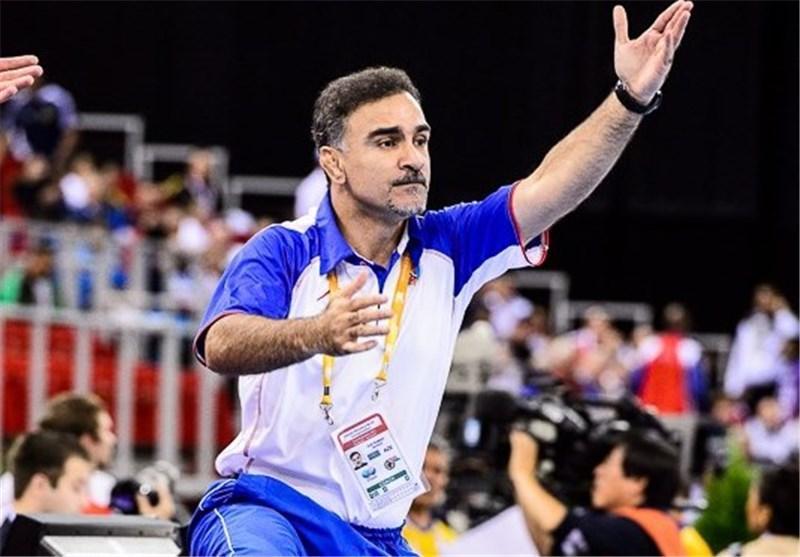 خیرآبادی: جادوگر نبودم که بتوانم با 13 روز تمرین تیمم را روی سکو ببرم، آذربایجانی ها هنوز هم من را می خواهند، یک ریال هم از فدراسیون کشتی نگرفته ام
