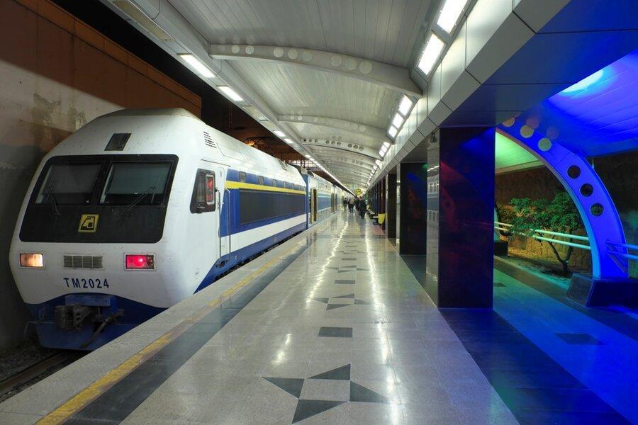 خدمات رسانی ویژه مترو به تماشاگران مسابقه فوتبال پرسپولیس و السد