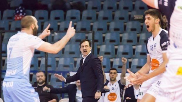 سیچلو در ایتالیا کار می نماید اما از والیبال ایران حقوق می گیرد!