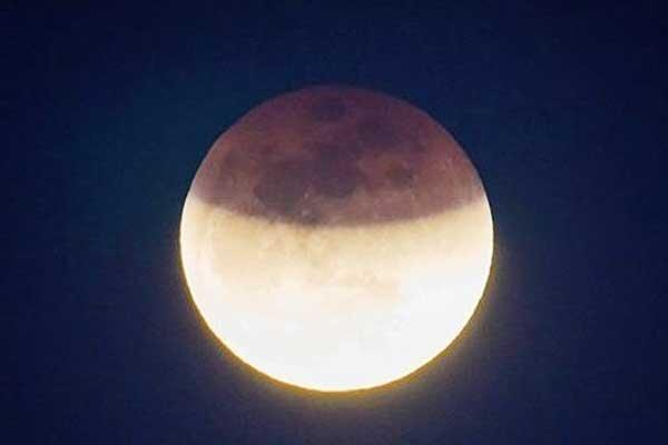 نیم ساعت ماه گرفتی ، امشب در چهار قاره