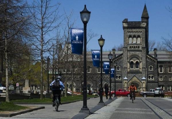 استفاده دانشگاه های کانادا از سیاست های ضد مهاجرتی آمریکا و انگلیس
