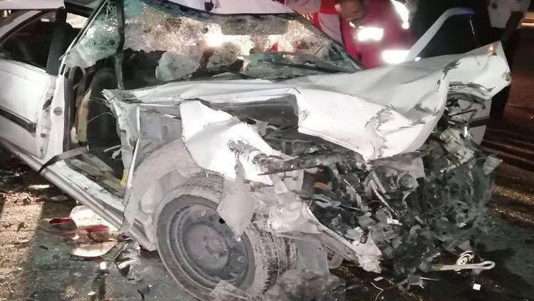 تصادف مرگبار خودرو پژو پارس با کامیون در هرمزگان