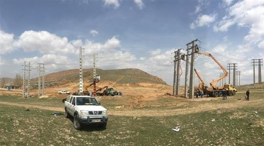 بهره برداری از 208 پروژه برق همزمان با دهه فجر در تبریز