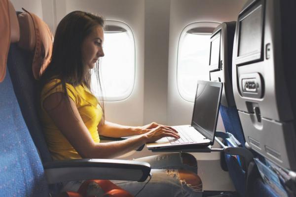 بازنگری قانون ممنوعیت حمل وسایل الکترونیکی در شرکت های هواپیمایی خاورمیانه توسط آمریکا