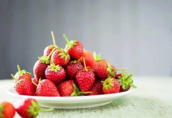 این نکات اساسی را درشستن توت فرنگی رعایت کنید